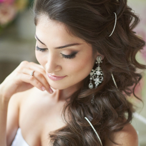 Hairstyles for Brides and Sweet Fifteens